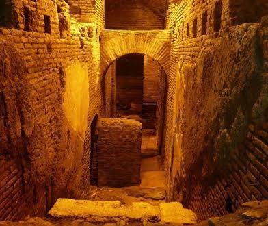 """""""La città dell'acqua"""". I sotterranei di Fontana di Trevi"""