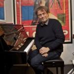 Gianluca Sibaldi nell'esecuzione di un suo brano