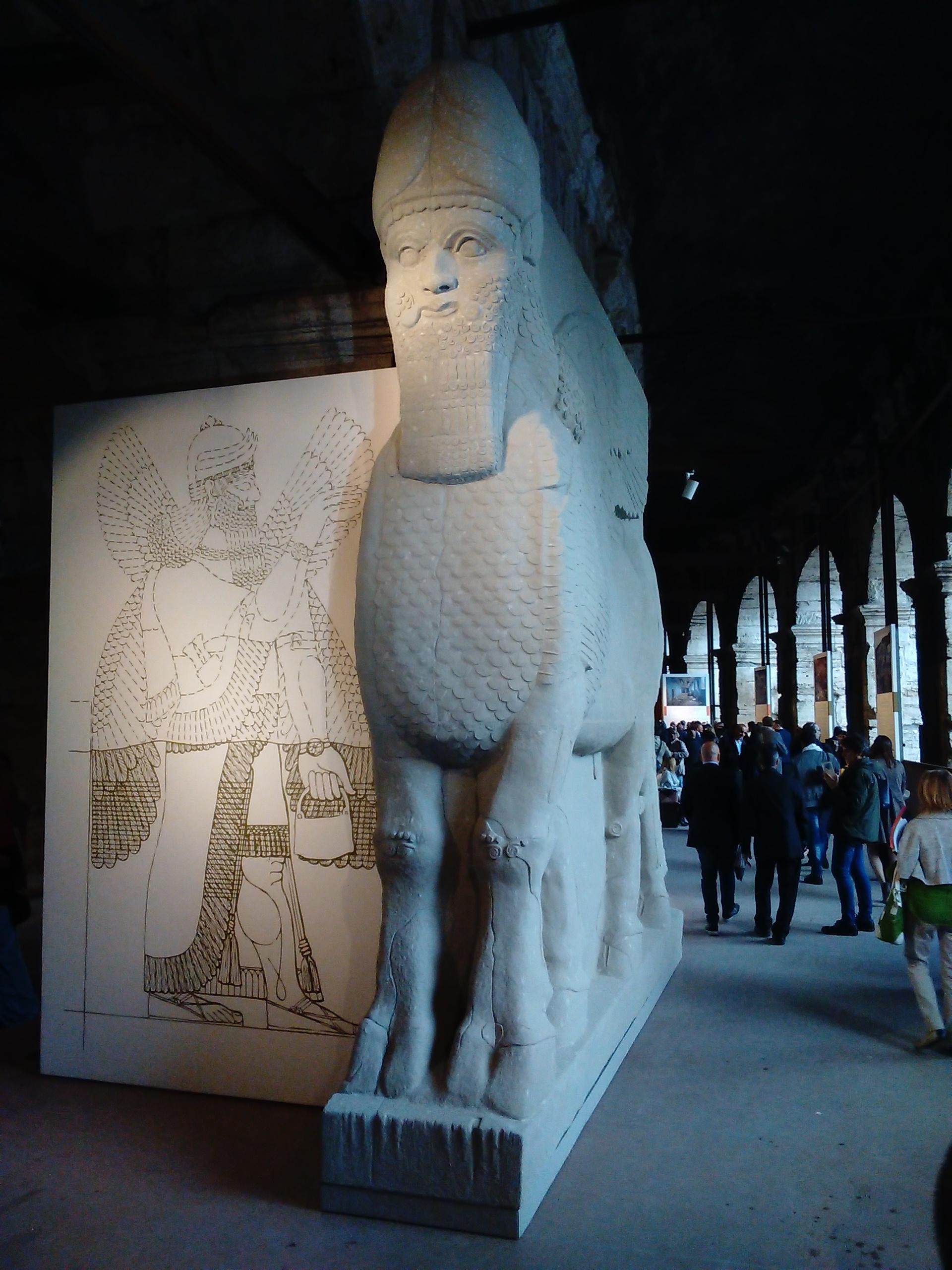 """Mostra """"Rinascere dalle distruzioni"""" - Toro di Nimrud (ricostruzione)"""