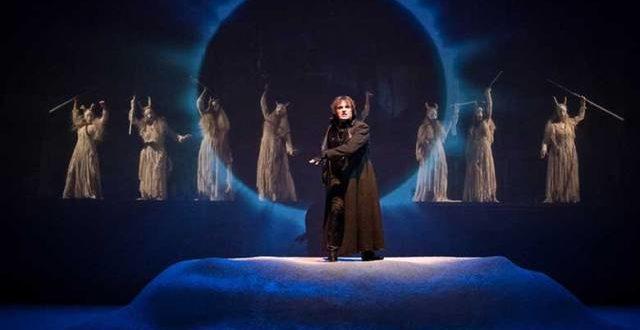 Il furore di Dioniso travolge il palcoscenico