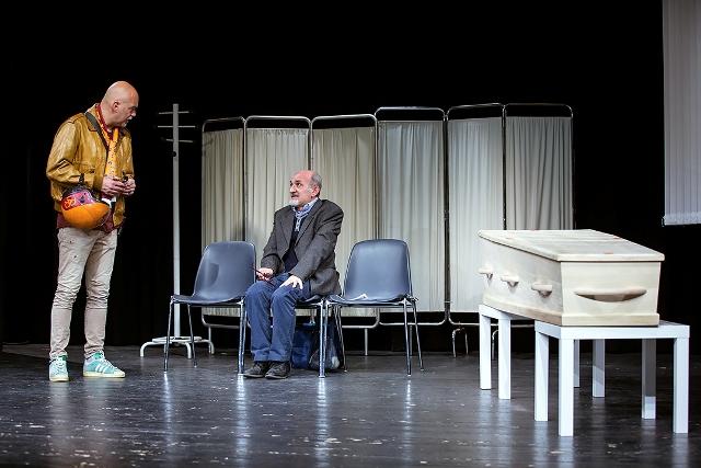 """Enzo Casertano e Fabio Avaro sul palco del teatro 7 per """"Unpercento, punizione ad affetto"""" (Foto Carlo Romano)"""
