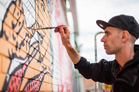 Dal writing alla street art: ecco chi è Diamond