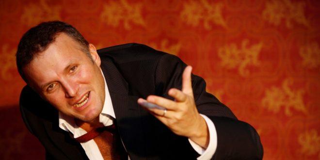 """Al Teatro Vittoria """"Tutto Esaurito"""" con Max Paiella"""