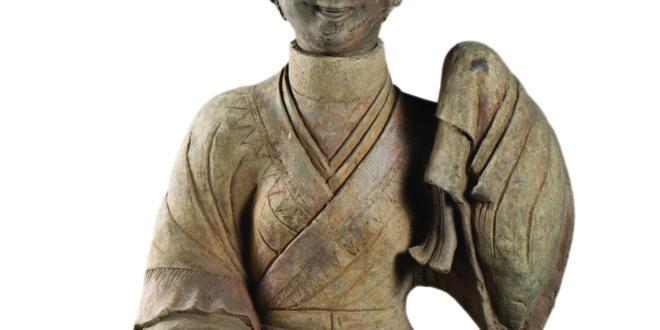 Museo di Chengdu_Statuetta funeraria di ceramica (con testa); Periodo Han Orientale(25-220 d.C.)_larghezza 46 cm, altezza 80 cm