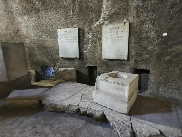 Mausoleo di Augusto – particolare interno struttura cilindrica