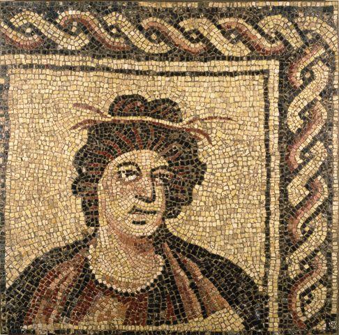 Musei Capitolini, Antiquarium, Mosaico policromo con busto di stagione